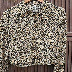 Zara Leopard Top size XS
